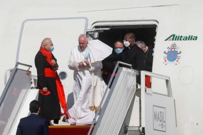 البابا-فرنسيس-يصل-بغداد-في-أول-زيارة-باباوية-للعراق
