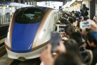 شركة-يابانية-تعتذر-بسبب-انطلاق-قطارها-قبل-موعده-بثوان