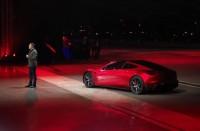 تسلا-تكشف-عن-أسرع-سيارة-في-العالم
