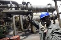ارتفاع-أسعار-النفط-مع-تخفيف-قيود-كورونا-وتراجع-مكاسب-الدولار