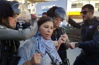الاحتلال-يعتقل-نائبة-فلسطينية-ويعتدي-عليها-بالضرب