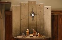 بانكسي-يعرض-في-بيت-لحم-مغارة-عيد-ميلاد-محاطة-بجدار