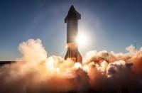 صاروخ-سبايس-إكس-للمريخ-ينجح-بالإقلاع-ويفشل-بالهبوط