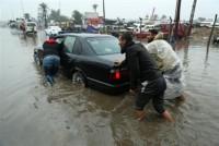 سيول-وأمطار-تعطّل-المدارس-وتوقِع-خسائر-فـي-الممتلكات