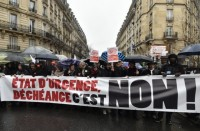 تظاهرات-في-فرنسا-تطالب-بإنهاء-حال-الطوارئ