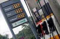 النفط-يعزز-مكاسبه-بعد-تعهد-السعودية-بتقييد-الصادرات
