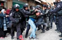 قوة-إسرائيلية-لاعتقال-طفل-فلسطيني-بالخليل