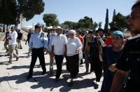 الاحتلال-يعتقل-8-فلسطينيين-بالضفة-واقتحامات-في-الأقصى