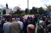 إضراب-في-القطاع-العام-اللبناني-احتجاجا-على-خفض-الرواتب