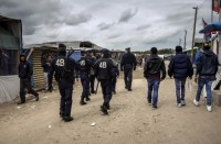 المهاجرون-في-فرنسا-يتهمون-الشرطة-بالاعتداء-الممنهج-ضدهم