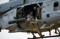 تحطم-مروحية-أمريكية-قبالة-سواحل-اليمن-وفقدان-جندي