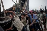 غرق-20-لاجئا-من-الروهينغا-أثناء-هروبهم-نحو-بنغلادش