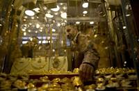 الذهب-يقفز-لأعلى-مستوى-في-6-أشهر-مع-خسائر-الأسهم
