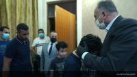 رئيس-وزراء-العراقي-يزور-عائلة-الهاشمي-ويتعهد-بالقصاص