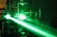 ابتكار-أقوى-ضوء-ليزري-في-العالم-بإمكانه-شقّ-الفضاء-الخالي
